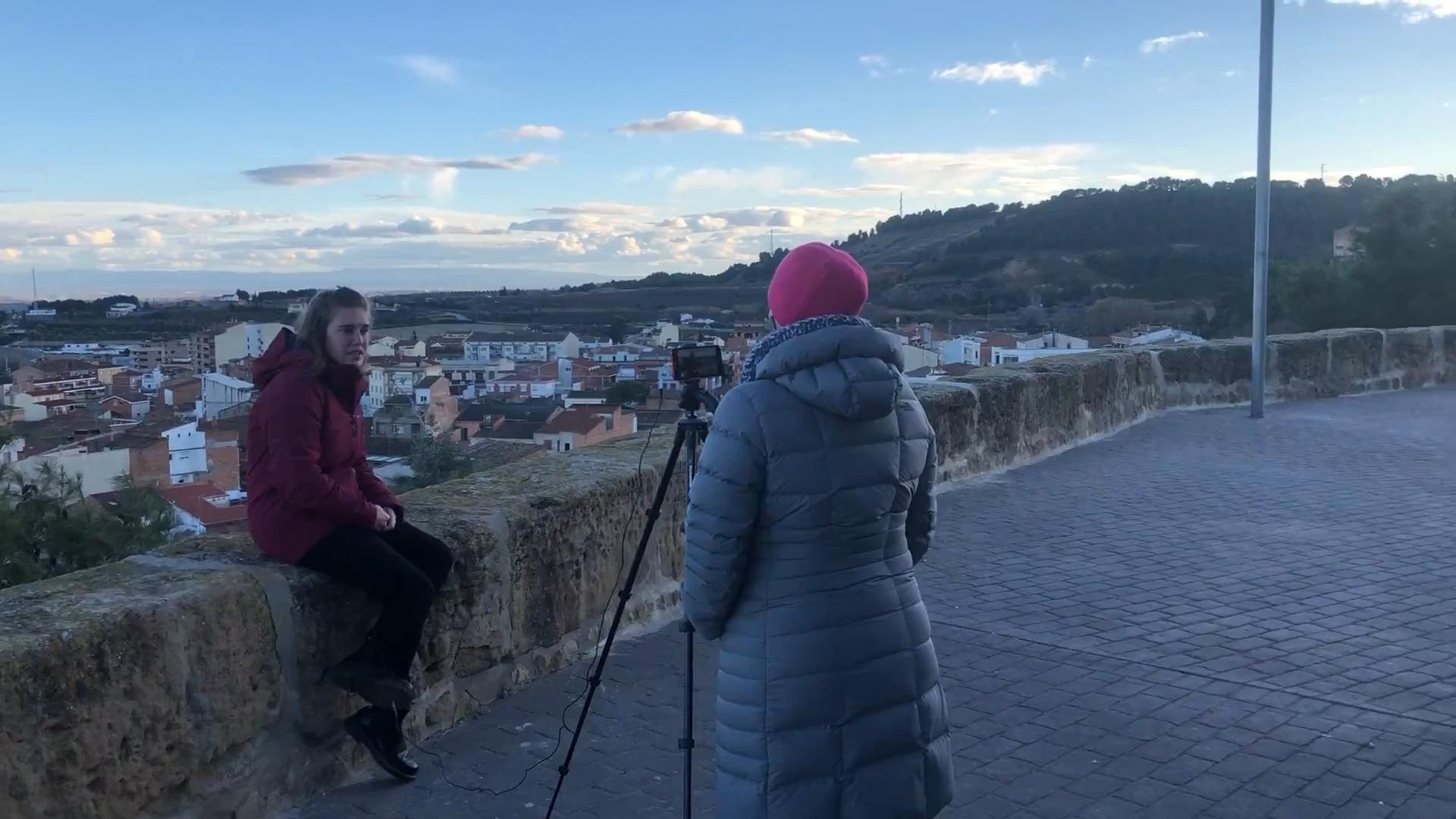 Pili Garcia i Aida Goixart a la Barana del Fossar per entrevista a Adona't